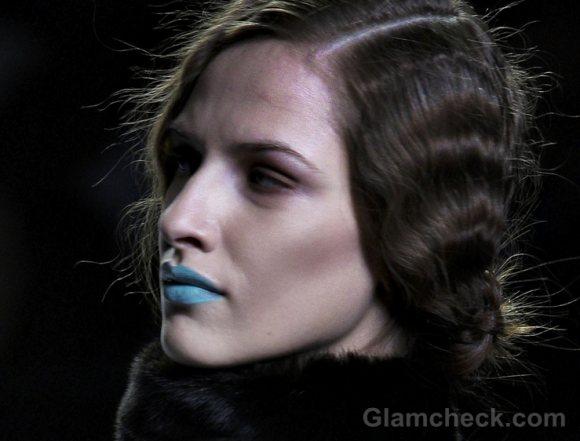 beauty how to aqua blue lips