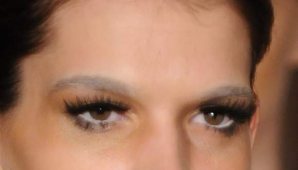 how to achieve bleached eyebrows through makeup