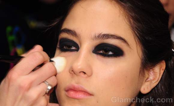 how to smoky eyes fall-winter 2012 stephen burrows
