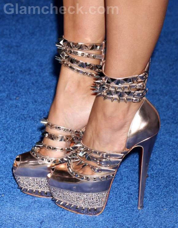 3b0d055c4445 Kim Kardashian Sports Spectacular Spiked Heels
