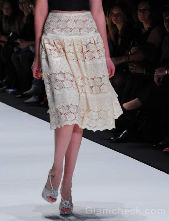 white lace skirt style pick