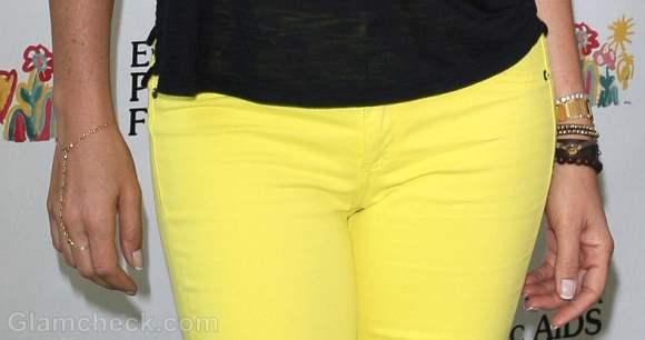 Daisy Fuentes yellow black color block look