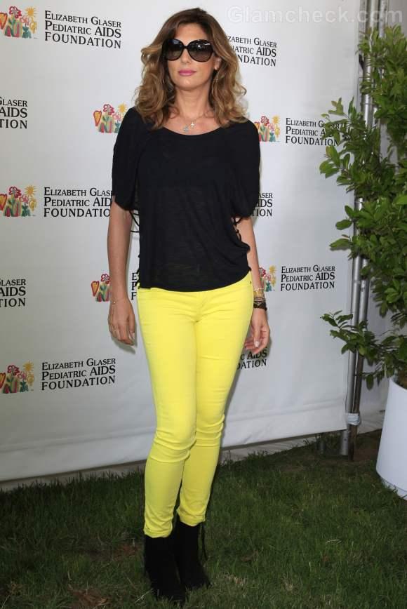 Daisy Fuentes yellow black color blocked look