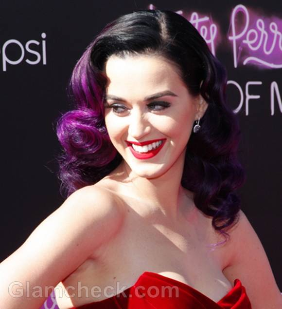 Katy Perry Sports Delish Two Toned Hair Color At A Part