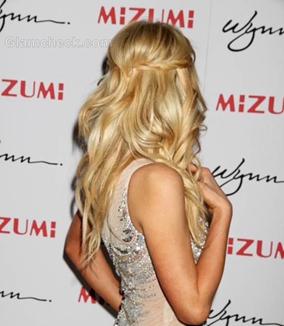 Paris Hilton delicate curls