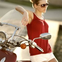 Style Picture how wear red white combination