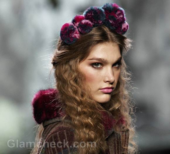 Style pick pom pom hair accessory francis montesinos fall-winter 2012