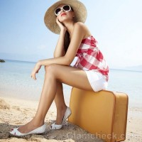 Style picture beach vacation look