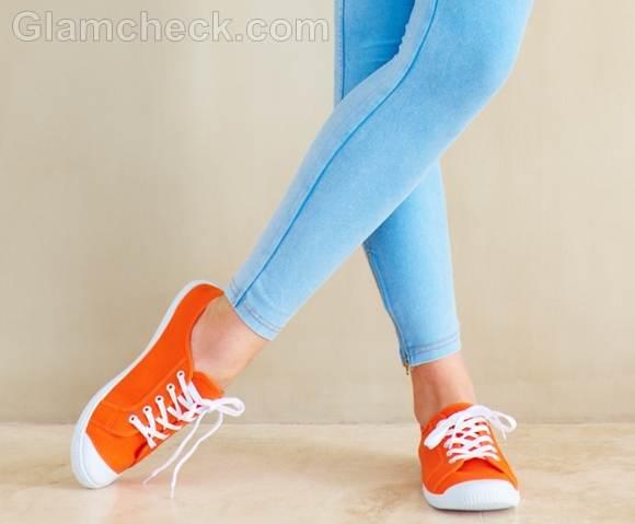 Style picture orange snekers funky nerd look