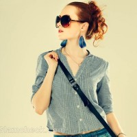 Style pictures cropped shirt blue denim shorts