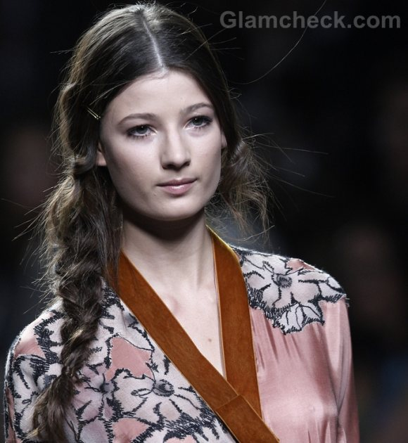 messy side braid hairstyle how to