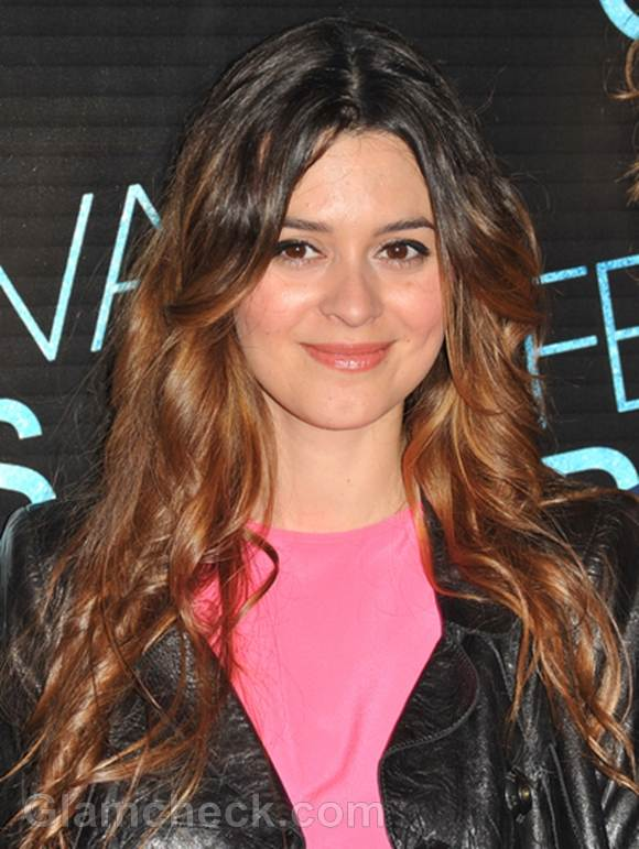Emilie Simon hair color auburn