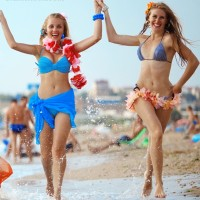 How to dress for beach party