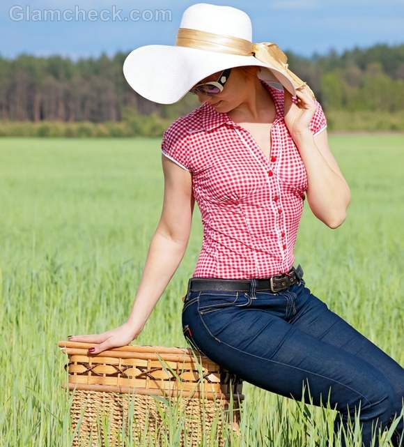 How to dress for picnic jeans