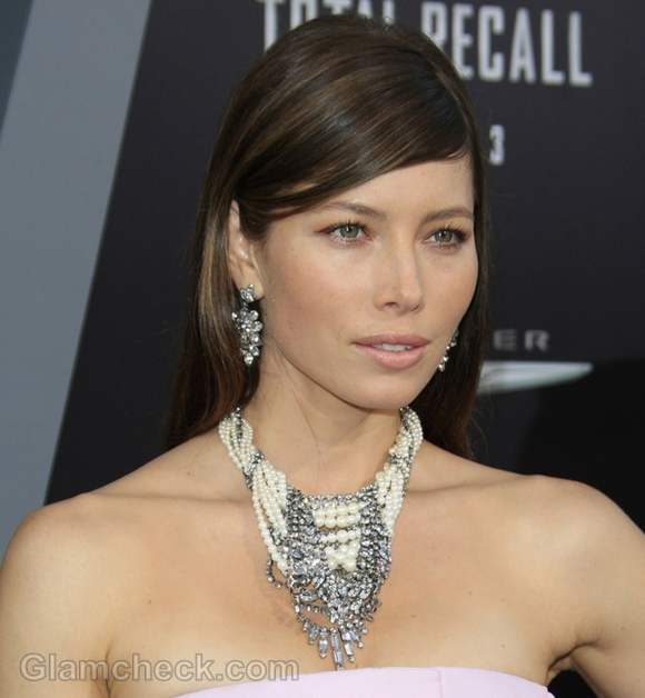 Jessica Biel Pearl Diamond necklace