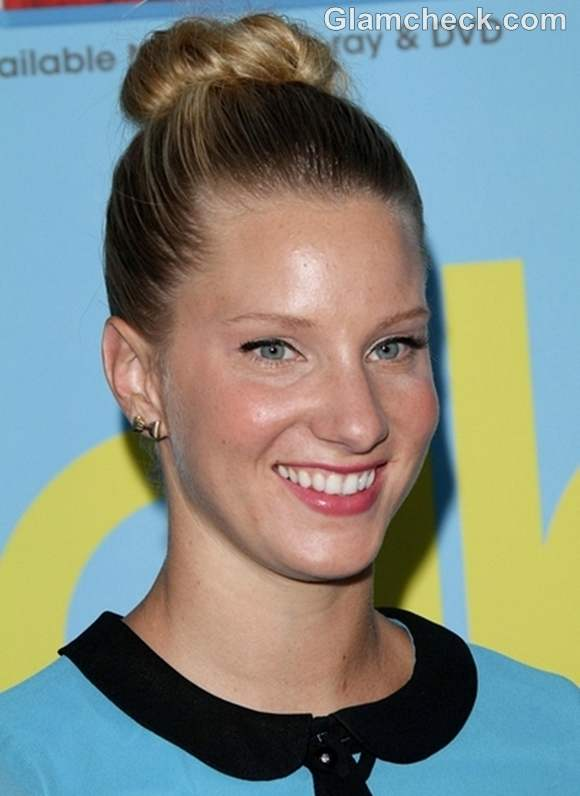 Heather Morris top knot hairstyle