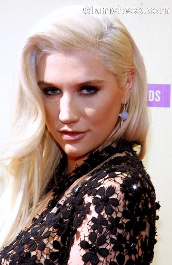 Kesha hairstyle 2012 MTV Video Music Awards