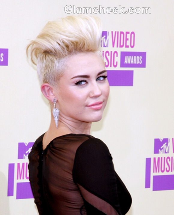 Miley-Cyrus-hairstyle-2012-MTV-Video-Music-Awards