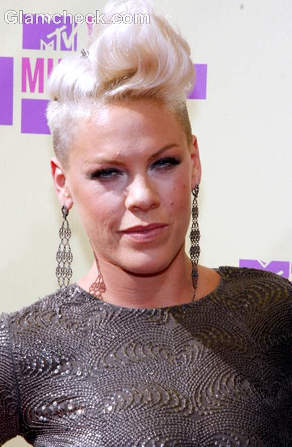 Pink hairstyle 2012 MTV Video Music Awards