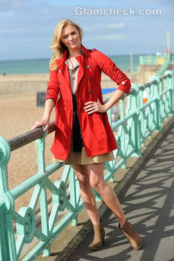 street style Jodie Kidd Sports Stylish Walking Outfit