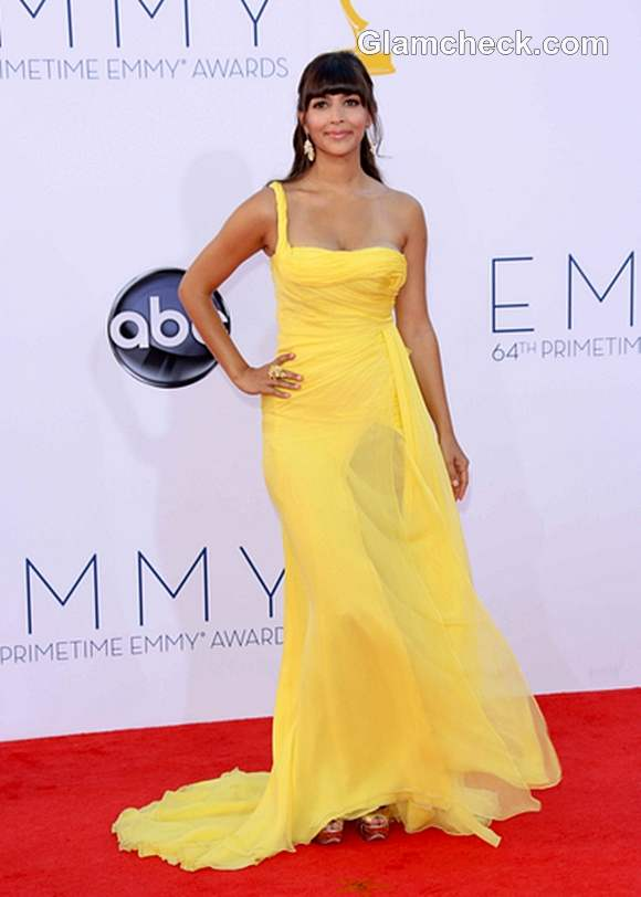 yellow gown 2012 Hannah Simone