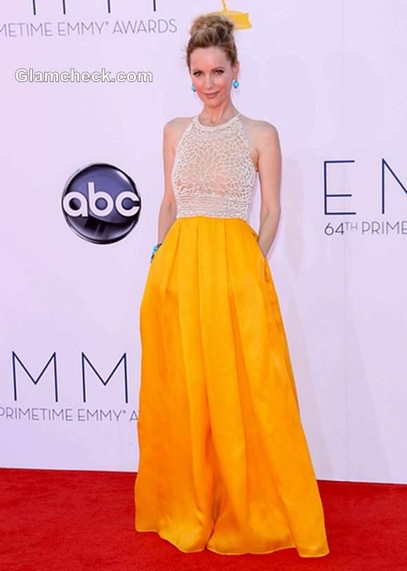 yellow skirt 2012 Leslie Mann
