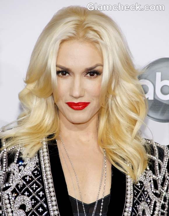 Gwen Stefani S Feminine Glam Hair And Makeup At Amas 2012