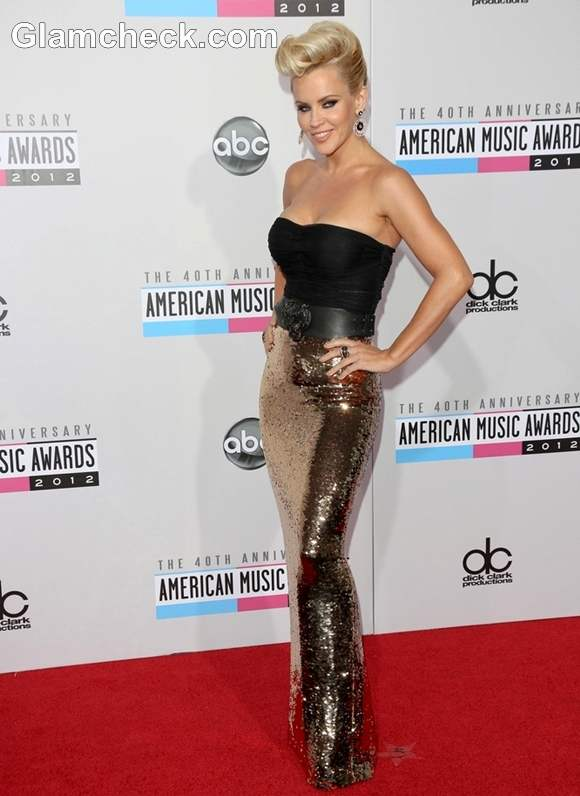 Jenny McCarthy Sexy in Slinky Evening Gown at AMAs 2012