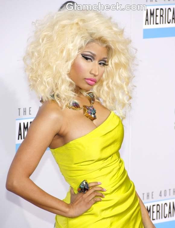 Nicki Minaj hairstyle makeup at American Music Awards 2012