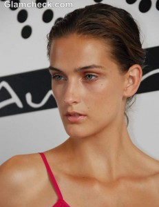 Beauty How To: The No-Makeup Look At Kooey Spring Summer 2013
