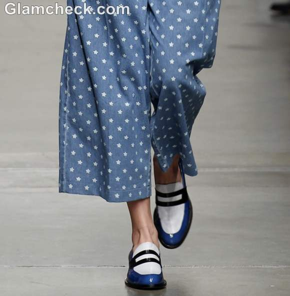 Get The Look peppy chic in blue wide legged polka dot pants