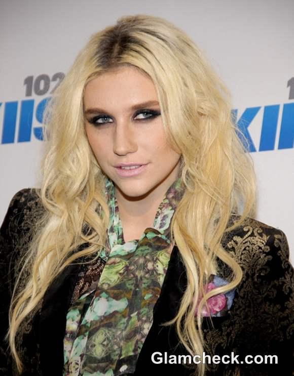Kesha hairstyle at Jingle Ball 2012
