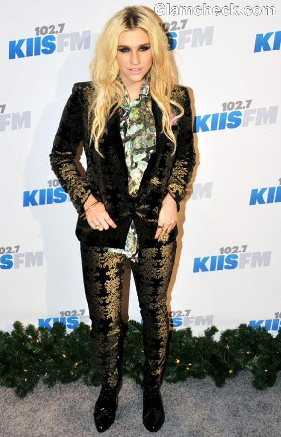 Kesha outfit Jingle Ball 2012