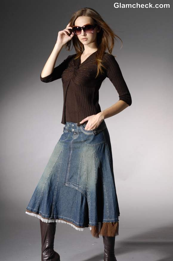 How to Style a Long Denim Skirt for Winters