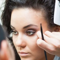 How to apply makeup in winters