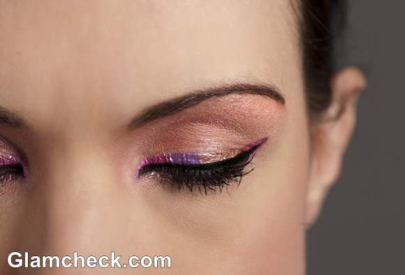 makeup how to shimmer eyes with pink colored eye-liner
