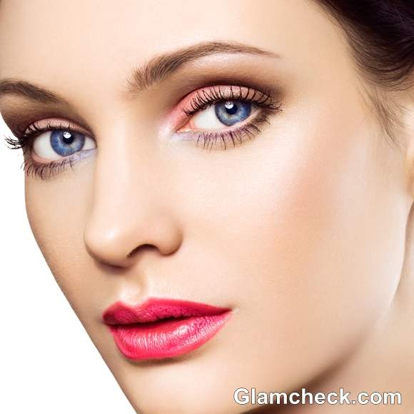 what to wear with pink lipstick