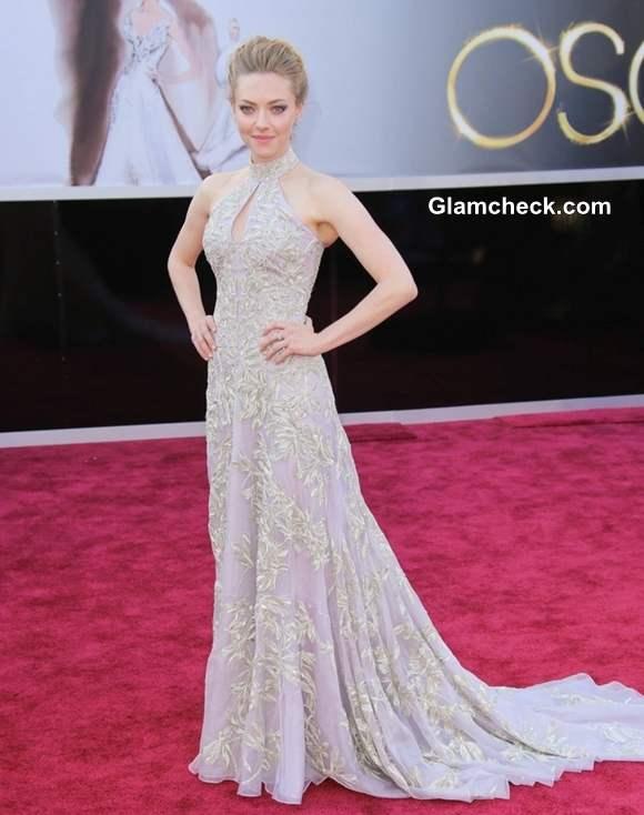 Amanda Seyfried gown at Oscars 2013