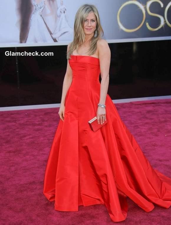 Jennifer Aniston gown at Oscar 2013