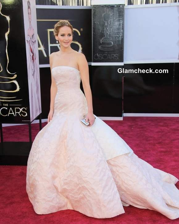 Jennifer Lawrence gown at Oscars 2013