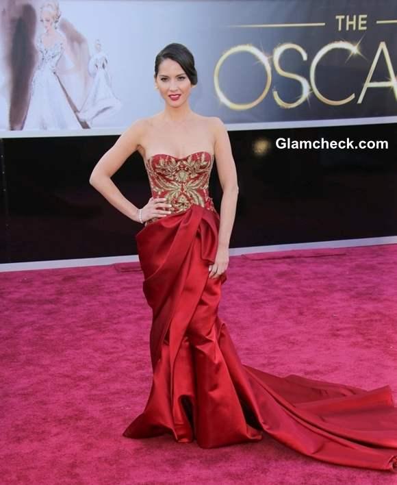 Olivia Munn gown at Oscar 2013