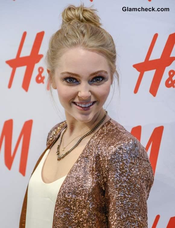 AnnaSophia Robb Messy top Bun at HM Denim Days Launch