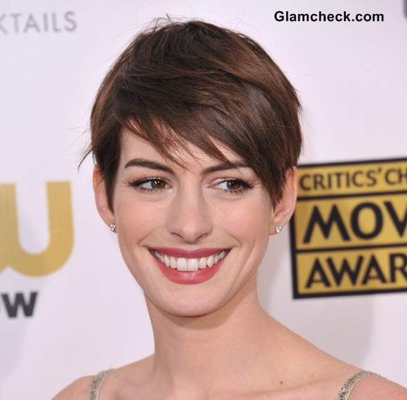 Anne Hathaway Pixie Hairstyle side swept