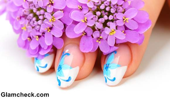 Manicure spring nail art flowers