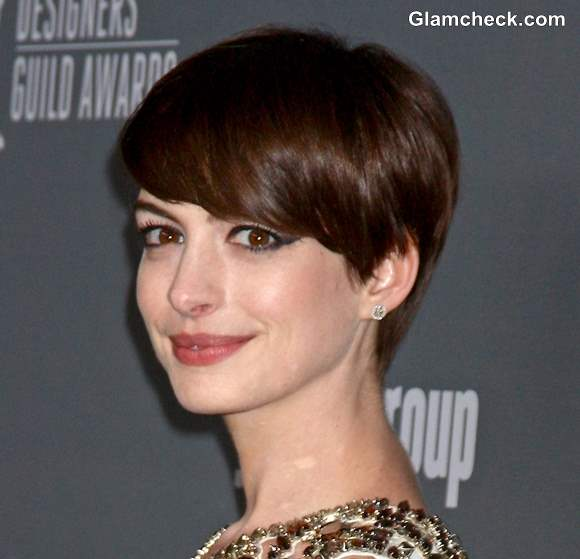 Pixie Hairstyle with side swept bangs Anne Hathaway