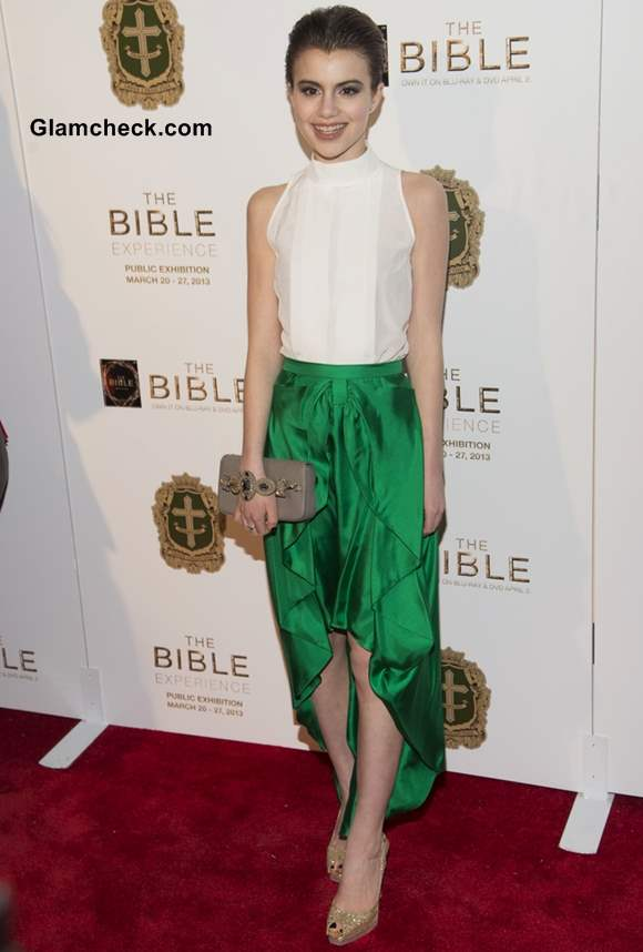 """Sami Gayle Resplendent in Emerald Skirt at The Bible Experience""""Opening Night"""