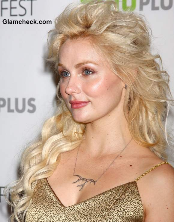 Clare Bowen Hairstyle 2013