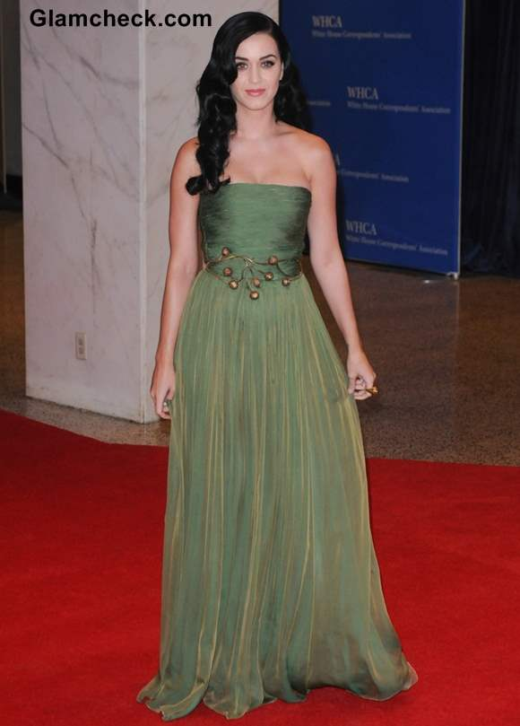 Katy Perry in Green Gown at White House Dinner 2013