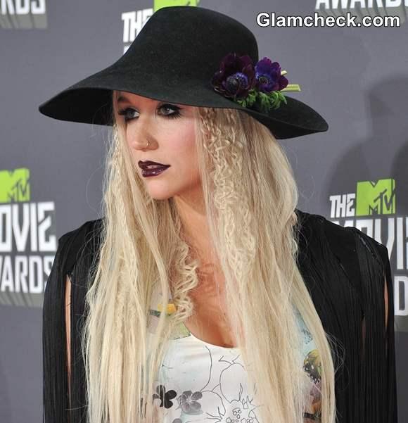 Kesha 2013 MTV  Goth makeup