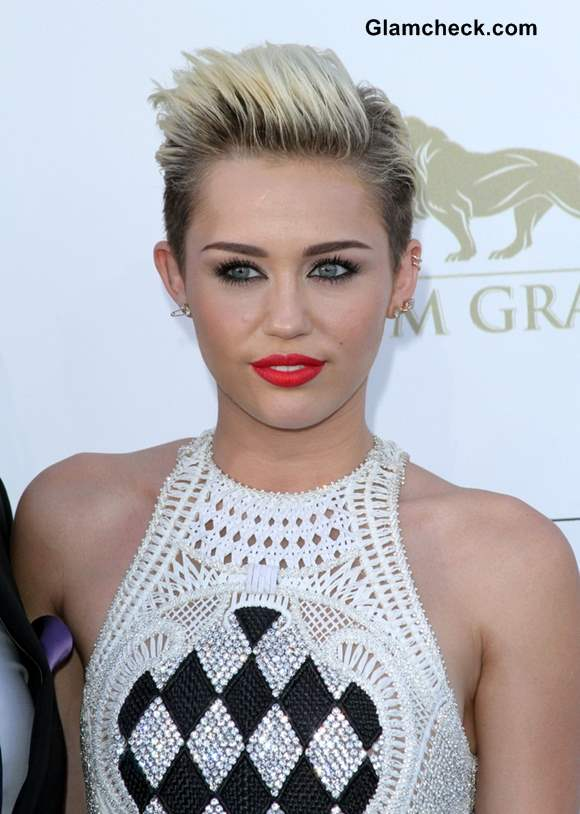 Miley Cyrus hairstyle 2013 billboard music awards